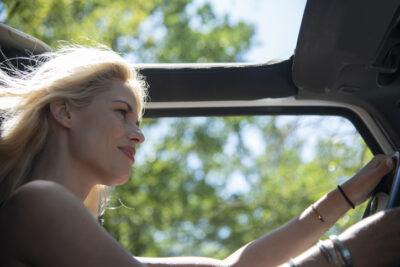 In de auto op een duurzame snelweg